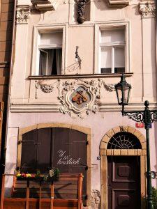Haus zu den drei Geigen, Prag